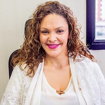 Dra. Ana Paula Urzedo